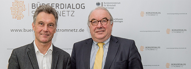 "Uwe Beckmeyer, Parliamentary State Secretary and Dr. Peter Ahmels, Head of ""Bürgerdialogs Stromnetz"""