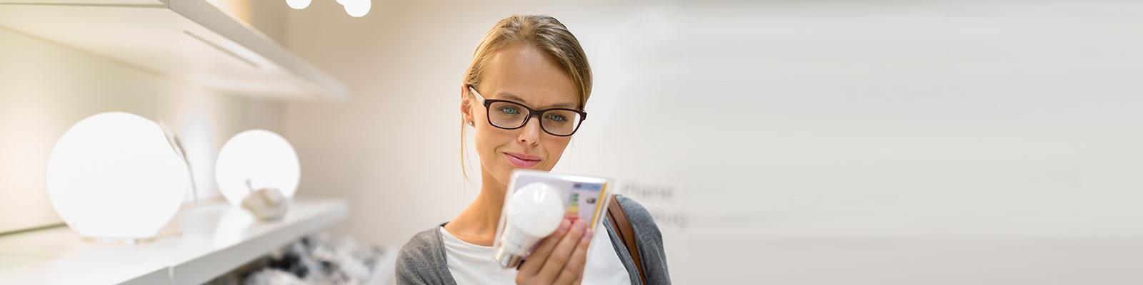 Beratungsgespräch zu Energieeffizienz; Quelle: Ute Grabowsky/Photothek/Getty Images
