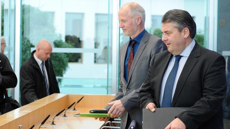 Bundesminister Sigmar Gabriel und Staatssekretär Rainer Baake; Quelle: BMWi/Susanne Eriksson